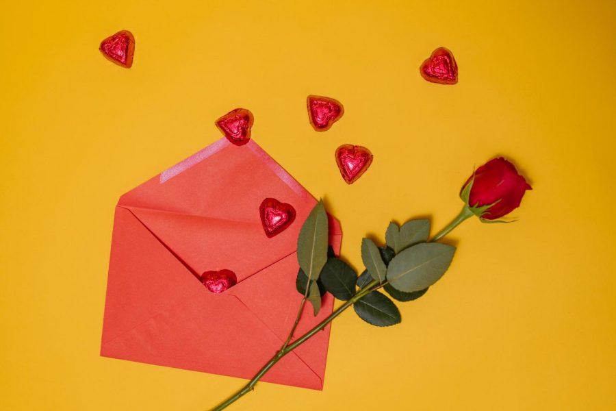 Valentine%E2%80%99s+Day+Gift+Guide
