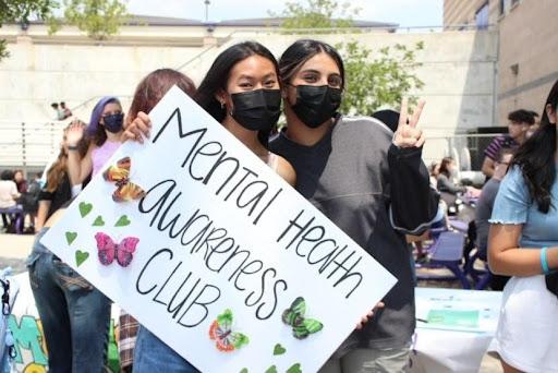 Samantha Nguyen (left) and Ariana Rodriguez (right) supporting MHA at Club Rush.
